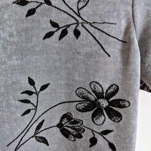 Vintage Tops - Vintage 90s Silver & Black Floral Short Sleeve Tee